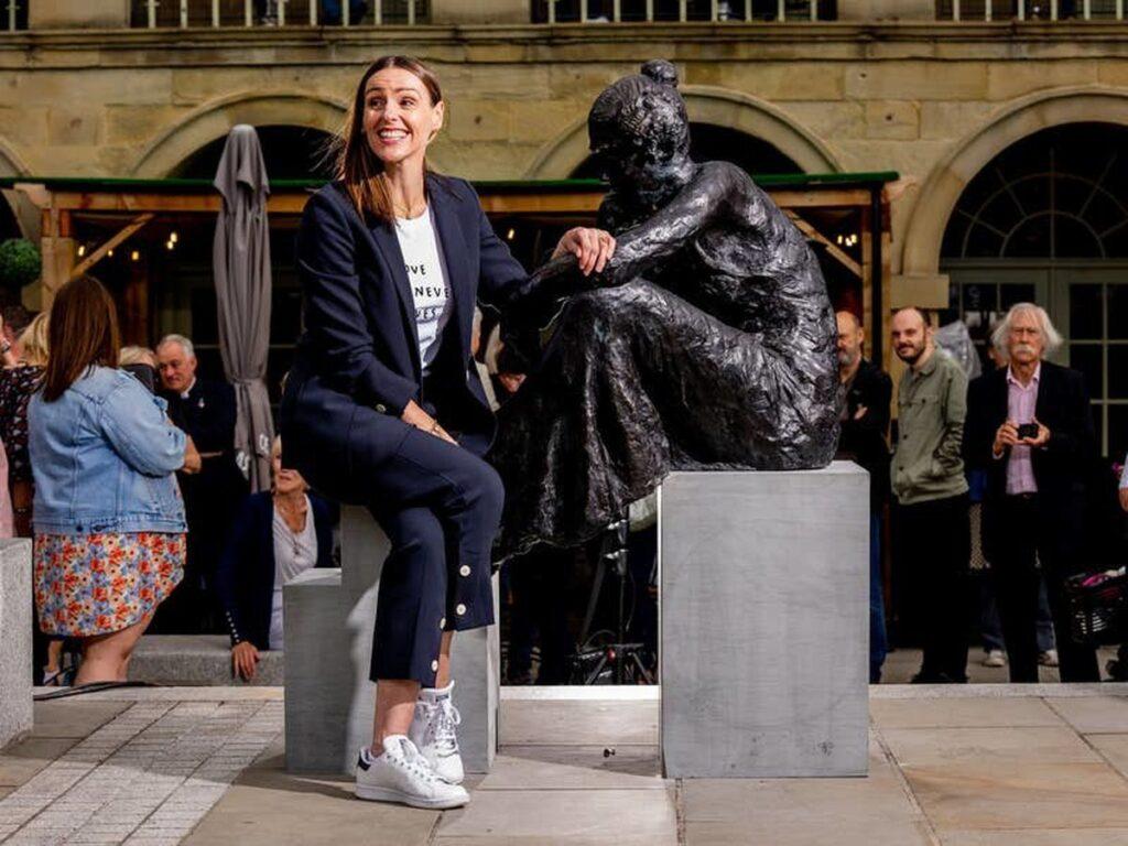 Anne Lister: Halifax rende onore ad una delle donne più forti della storia con una statua